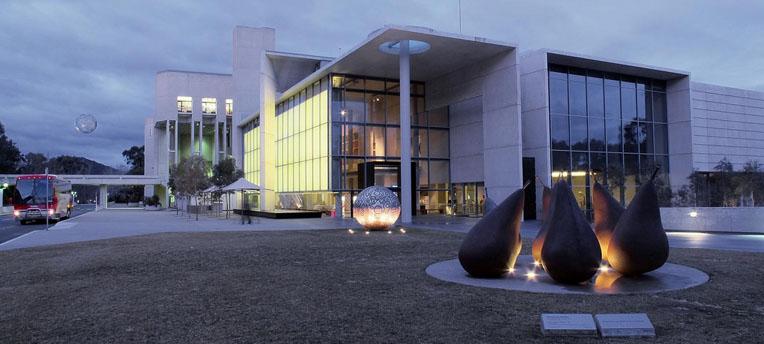 L'incroyable succès de la visite nue de la National Gallery de Canberra