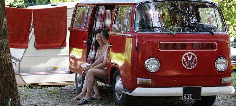 Un air de renouveau souffle sur le naturisme en France