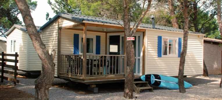 Mobile-home en camping naturiste